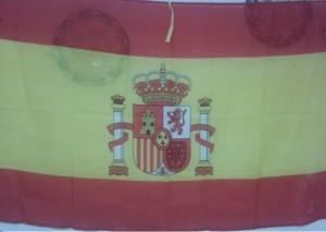 Bandera de España colgada de una pared/M.Moragues